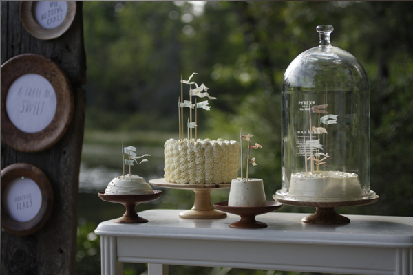 wedding table ideas, wedding reception ideas, bell jars, cloches, wedding cakes