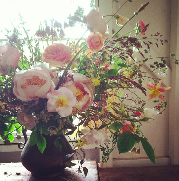 June Wedding Flowers: Perfect For Peonies
