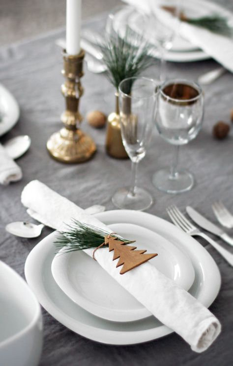 christmas-tablescape-decorations