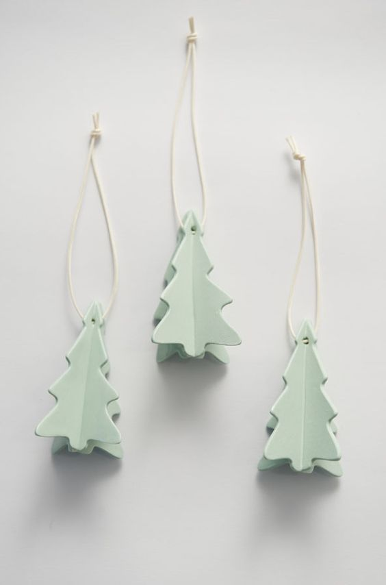 mint-green-christmas-tree-decorations