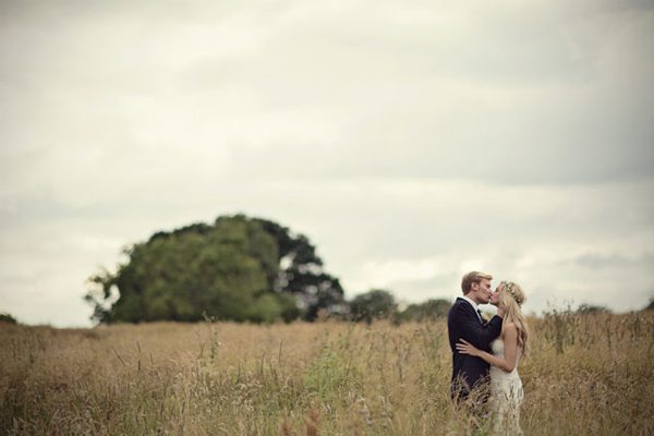 Wedding photograph ideas - in the presence of greatness