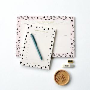 A4 weekly planner and meal planner A5 day planner and time planner animal print leopard print get organised