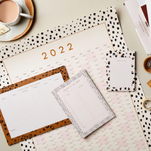Stationery bundle Planning ahead Bundle 7 – Year Wall Planner, Week Planner, A5 Notepad, A6 List pad sm